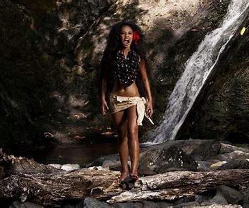 Photo Credit: http://www.lindahlepou.com/portfolio/aitu-series-homage-to-spirit/18/